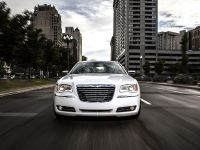 2013 Chrysler 300 Motown Edition, 4 of 23