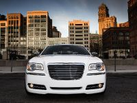 2013 Chrysler 300 Motown Edition, 5 of 23