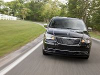 2013 Chrysler Town And Country S , 3 of 19