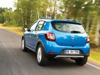 2013-dacia-sandero-stepway-02, 2 of 4