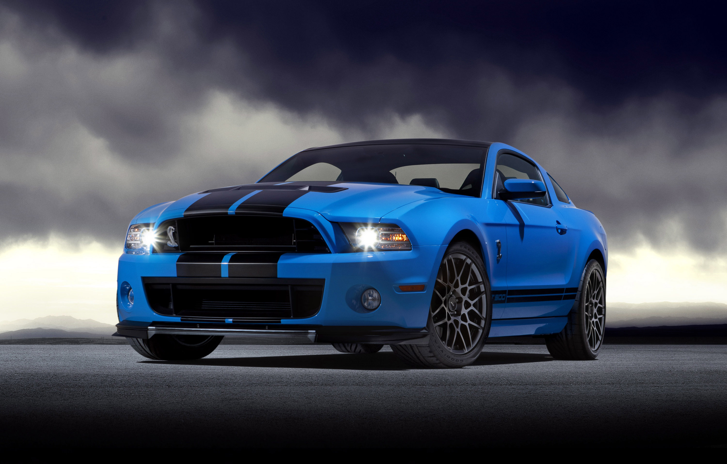 2013 Ford Shelby GT500 Picture #1 of 11