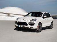 2013-Porsche-Cayenne-Turbo-S, 1 of 6