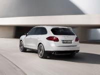 2013-Porsche-Cayenne-Turbo-S, 3 of 6