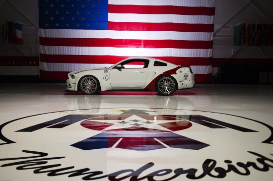 Ford Mustang GT U.S. Air Force Thunderbirds Edition