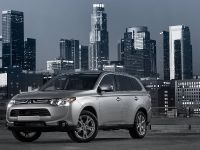 2014-mitsubishi-outlander-01, 1 of 22