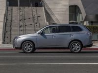 2014-mitsubishi-outlander-04, 4 of 22