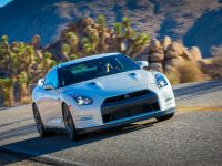 2014 Nissan GT-R, 6 of 13