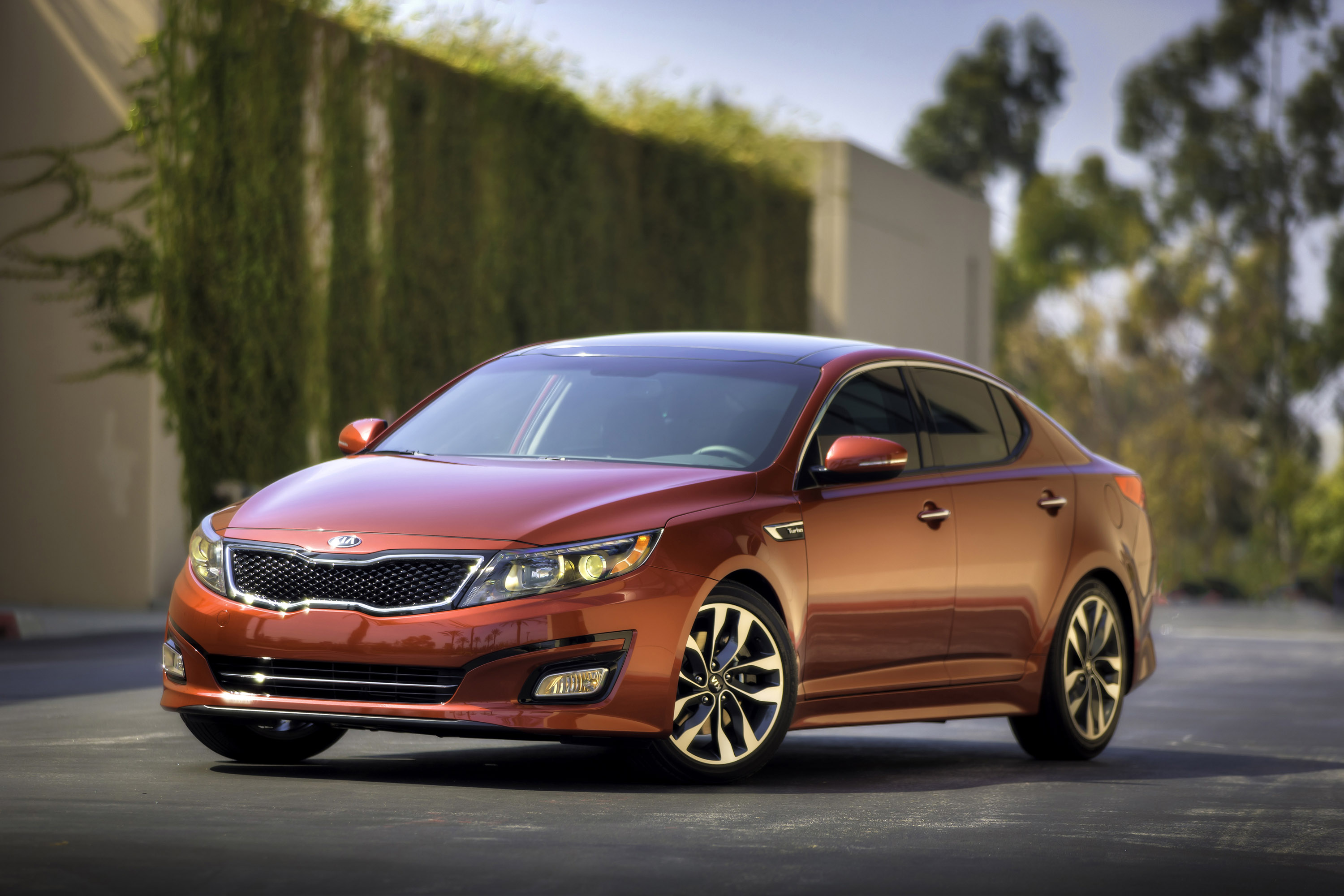 show hybrid facelift chicago engine auto news at kia more debuts facelifted optima
