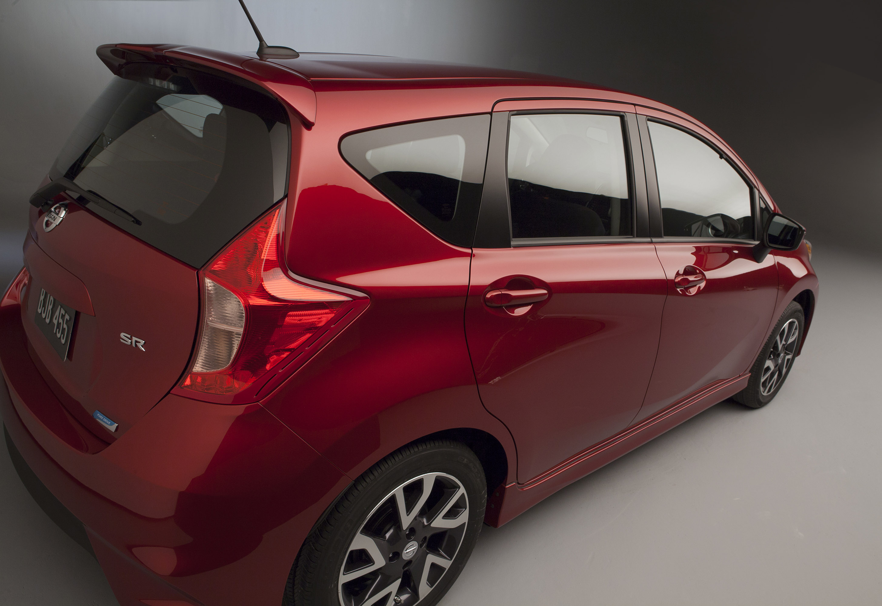 versa sv wiki right facelift nissan file model front