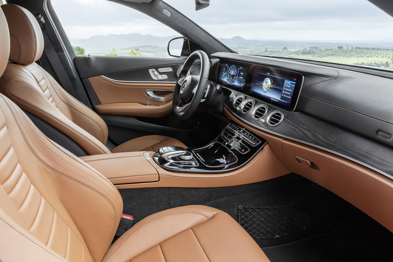 https://www.automobilesreview.com/img/2017-mercedes-benz-e-class-estate/2017-mercedes-benz-e-class-estate-08.jpg