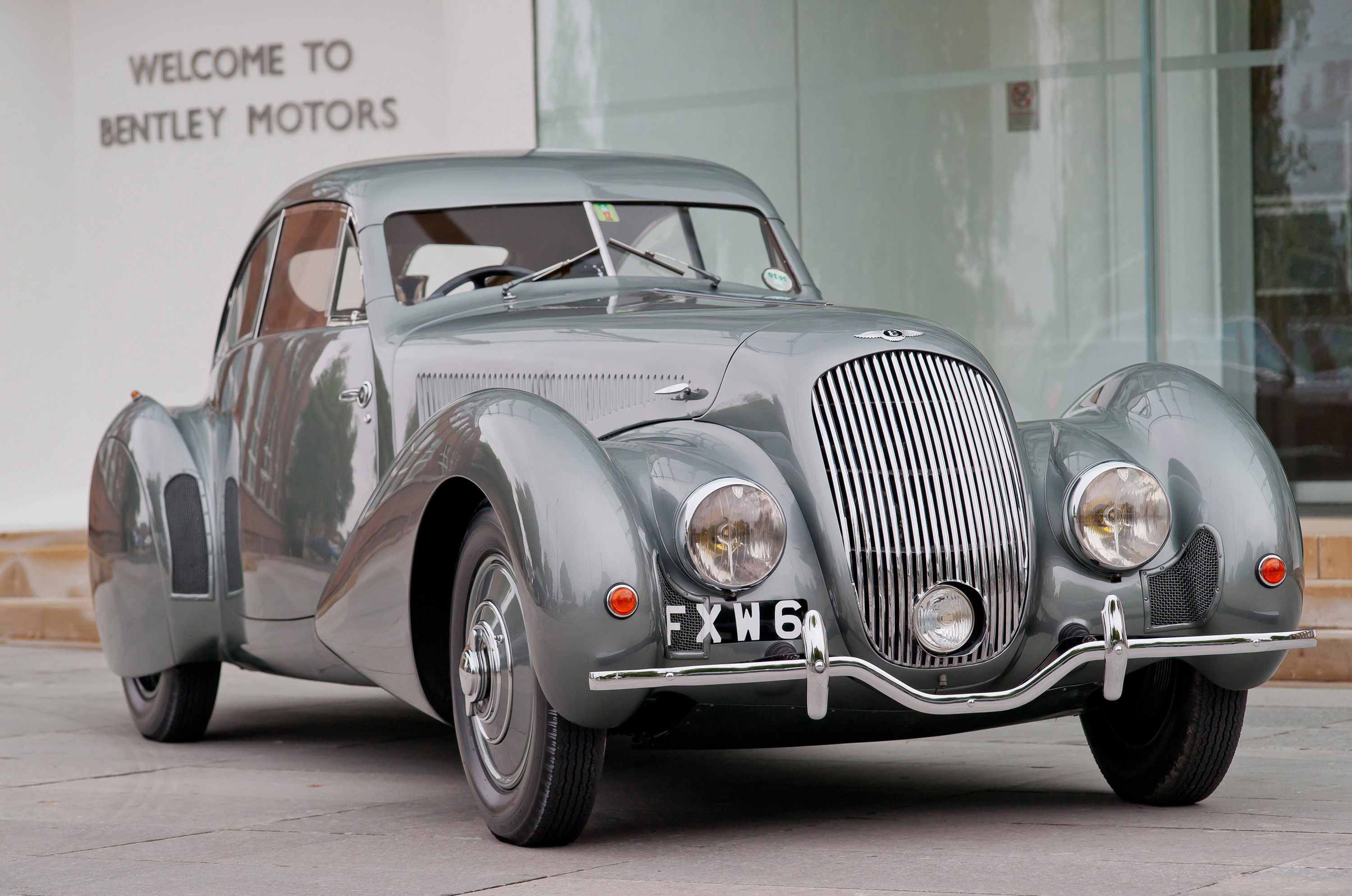news and auto team art peter rather a bentleys special sir for pop blake create sale vehicle blakecharity bentley