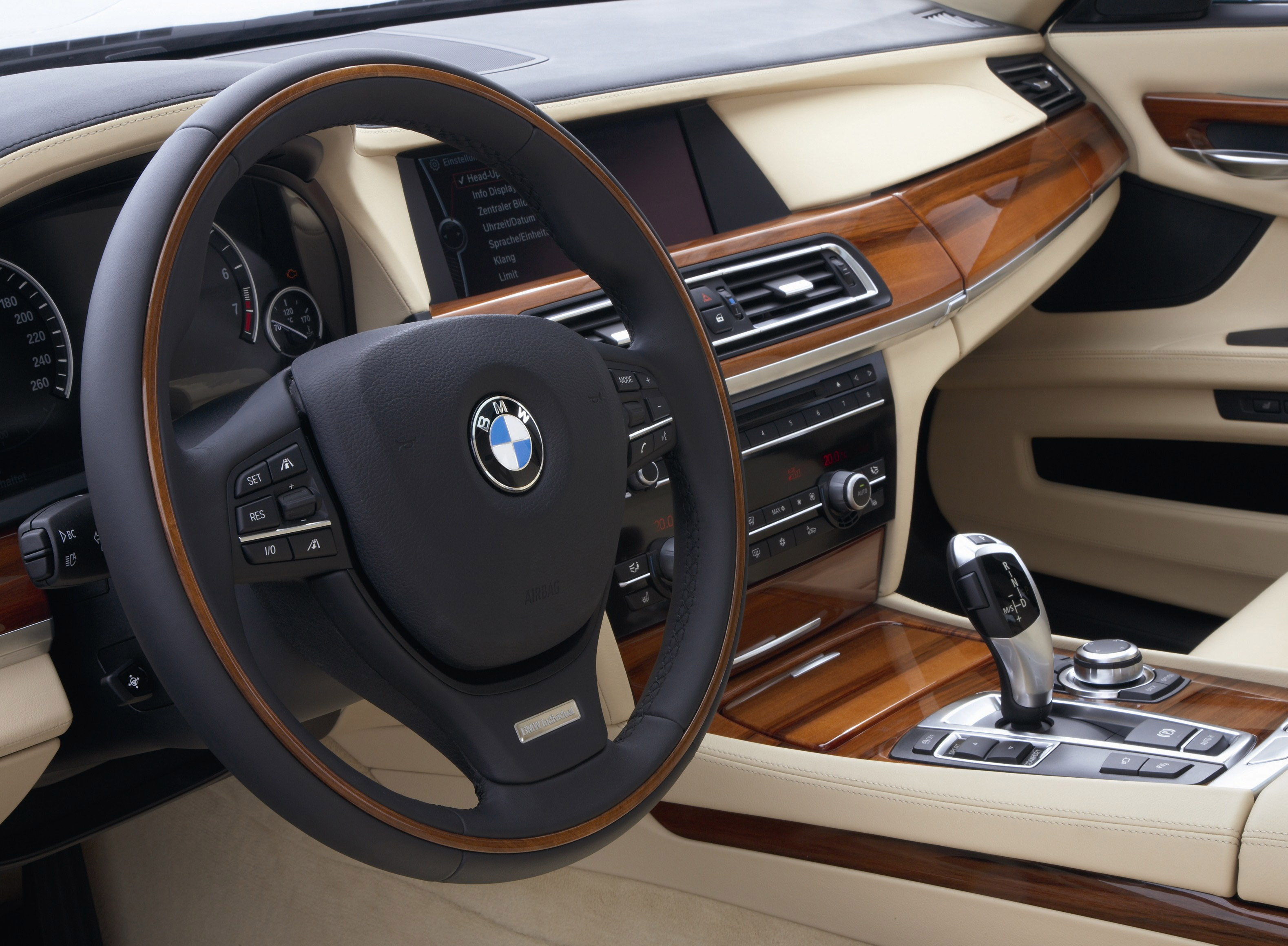 Index of /img/bmw-7-series-full