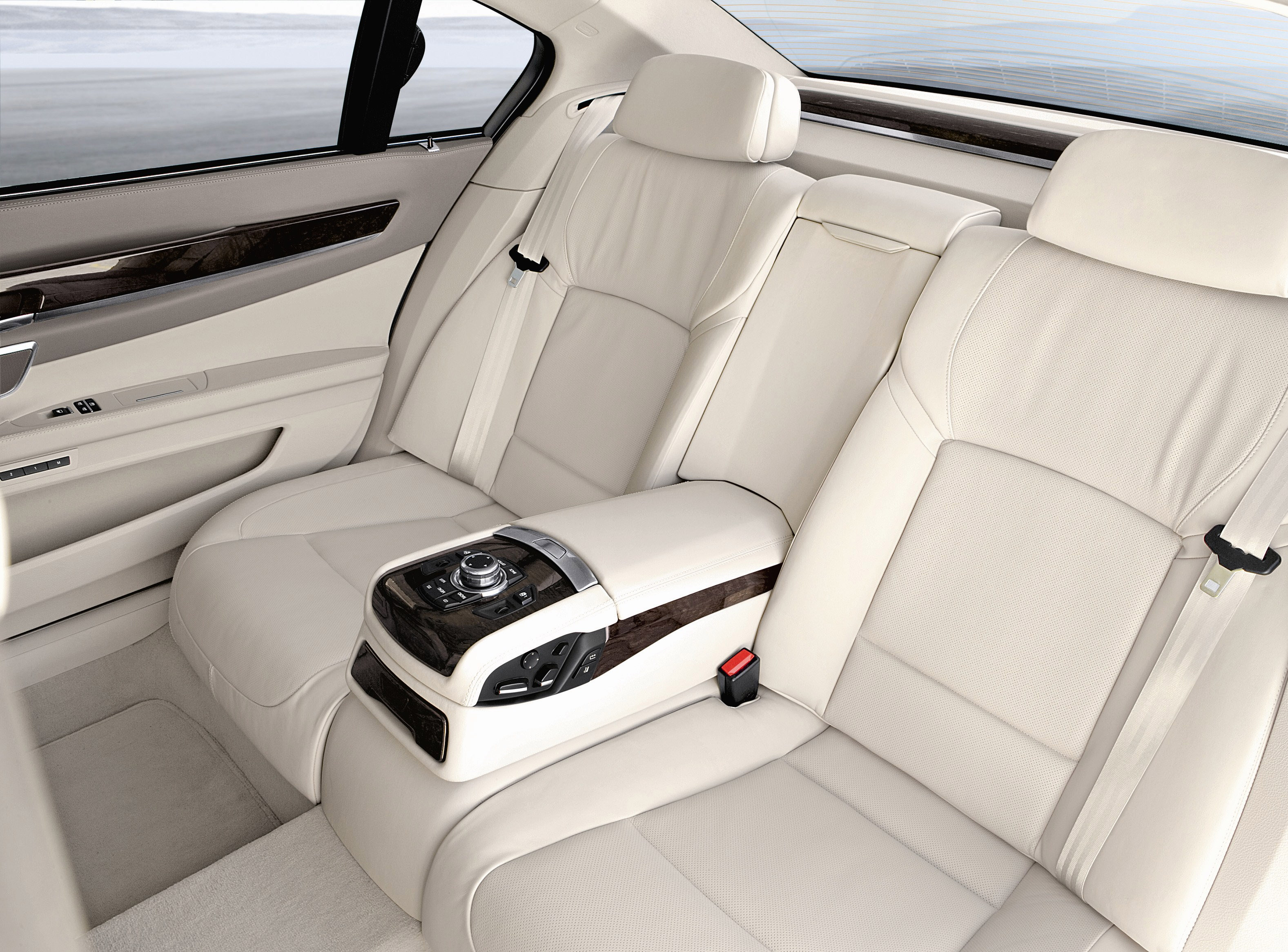 The New Bmw 7 Series Interior 03
