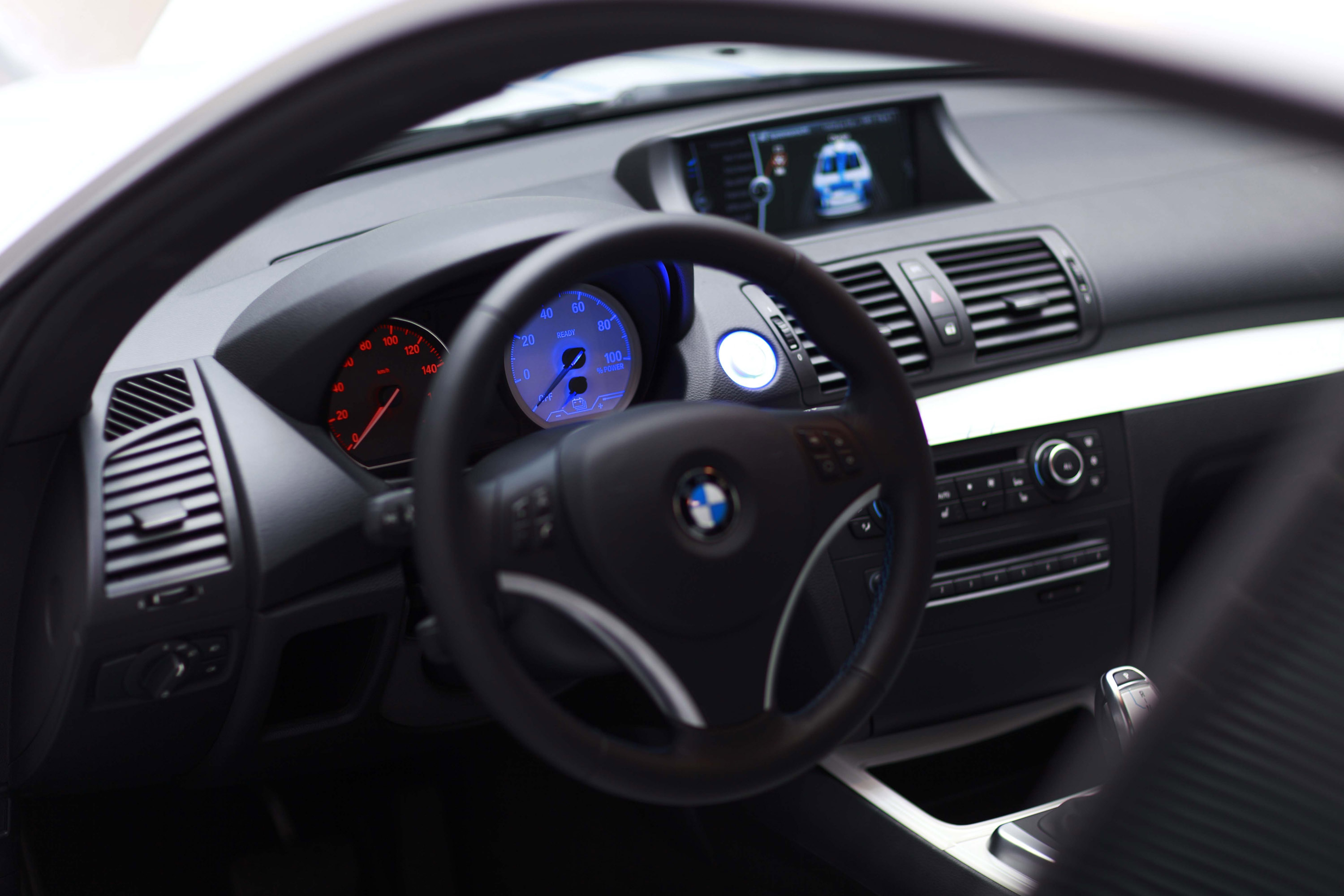 Index of /img/bmw-concept-activee