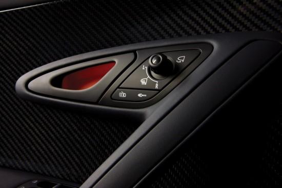 2010-bugatti-veyron-16-4-super-sport-04.jpg