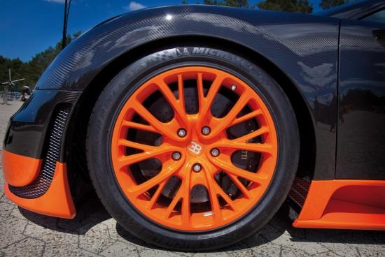 2010-bugatti-veyron-16-4-super-sport-18.jpg