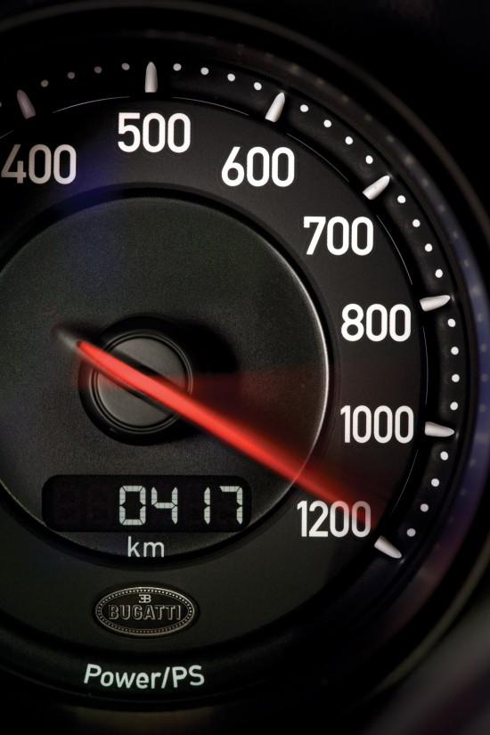 2010-bugatti-veyron-16-4-super-sport-23.jpg