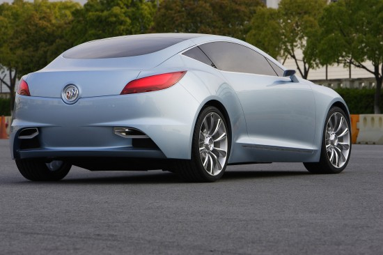 buick-riviera-concept-coupe-2007-08.jpg