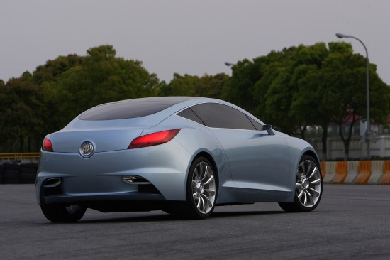 buick-riviera-concept-coupe-2007-09.jpg