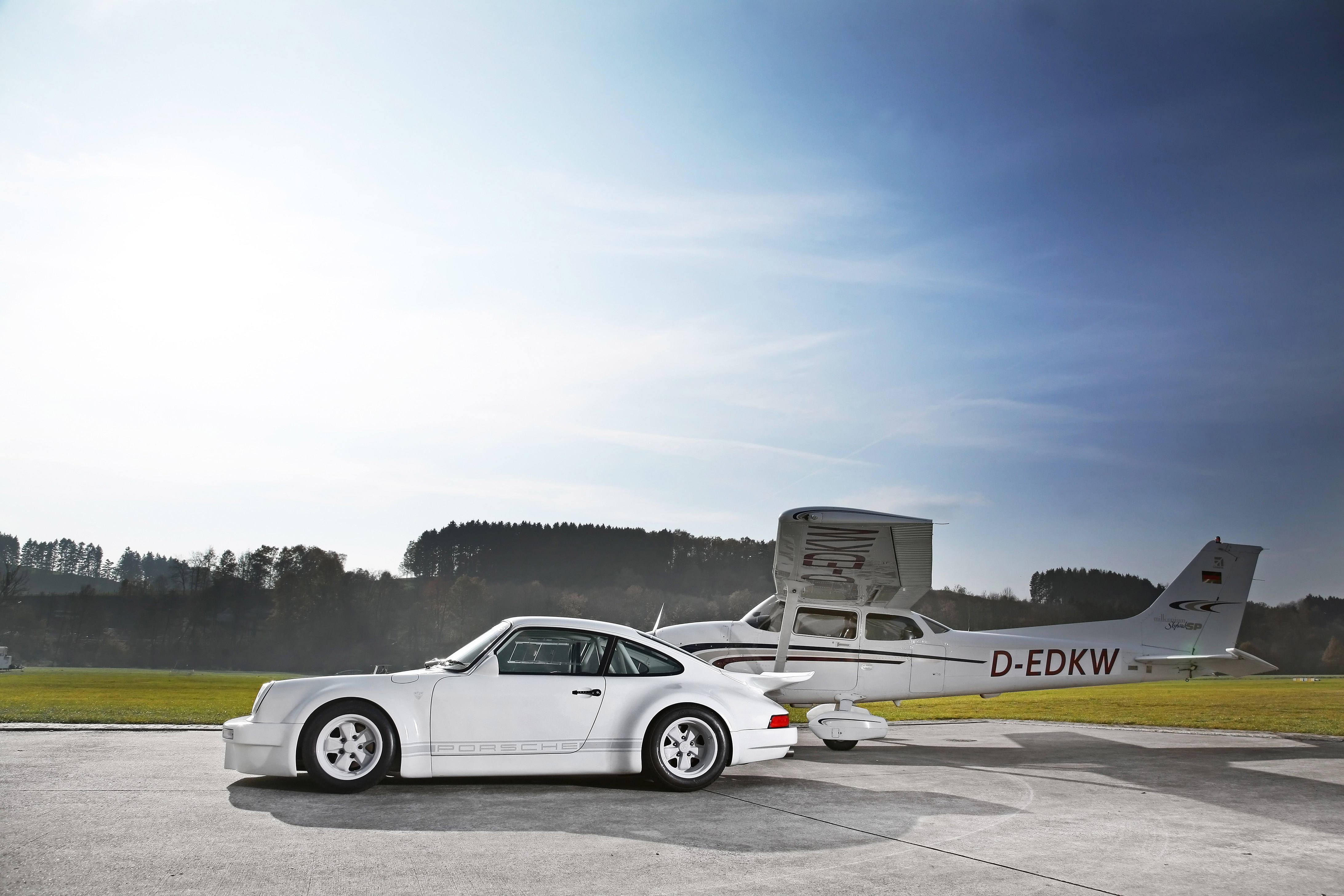 http://www.automobilesreview.com/img/dp-motorsport-1973-porsche-911/dp-motorsport-1973-porsche-911-03.jpg