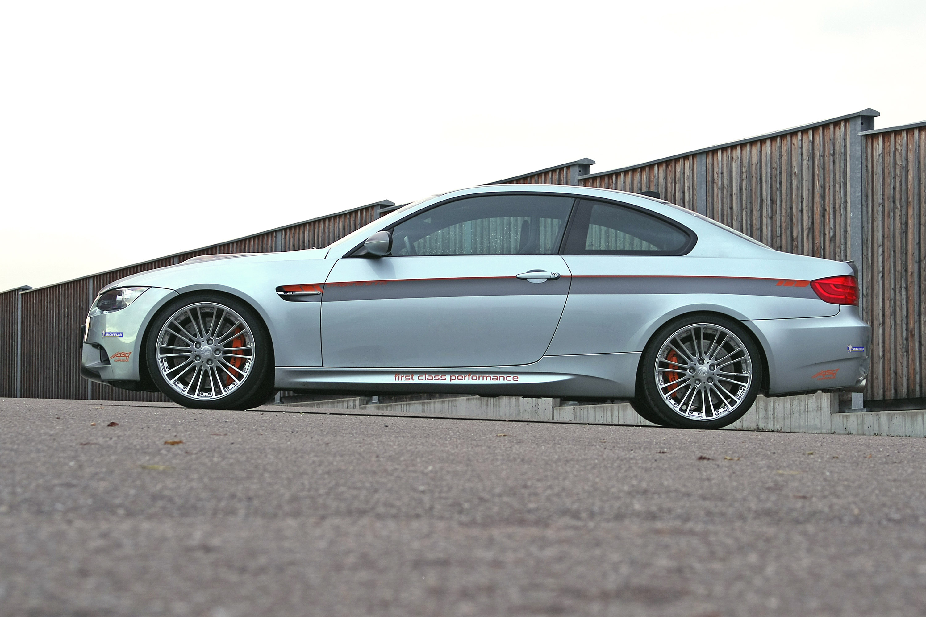 http://www.automobilesreview.com/img/g-power-bmw-m3-e92-hurricane-337-edition/g-power-bmw-m3-e92-hurricane-337-edition-03.jpg
