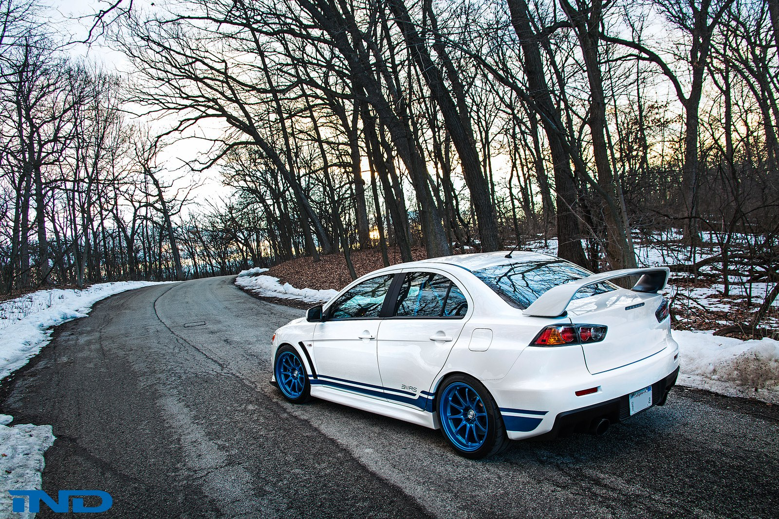 http://www.automobilesreview.com/img/ind-mitsubishi-evo-x-311rs/ind-mitsubishi-evo-x-311rs-07.jpg