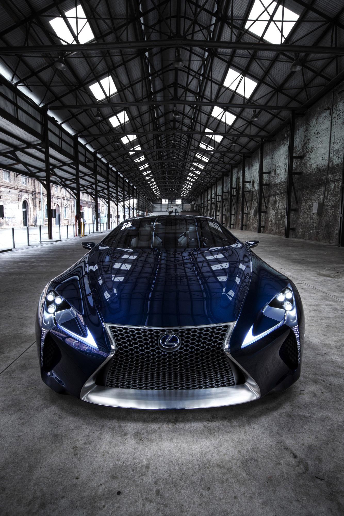 https://www.automobilesreview.com/img/lexus-lf-lc-blue-concept/lexus-lf-lc-blue-concept-02.jpg