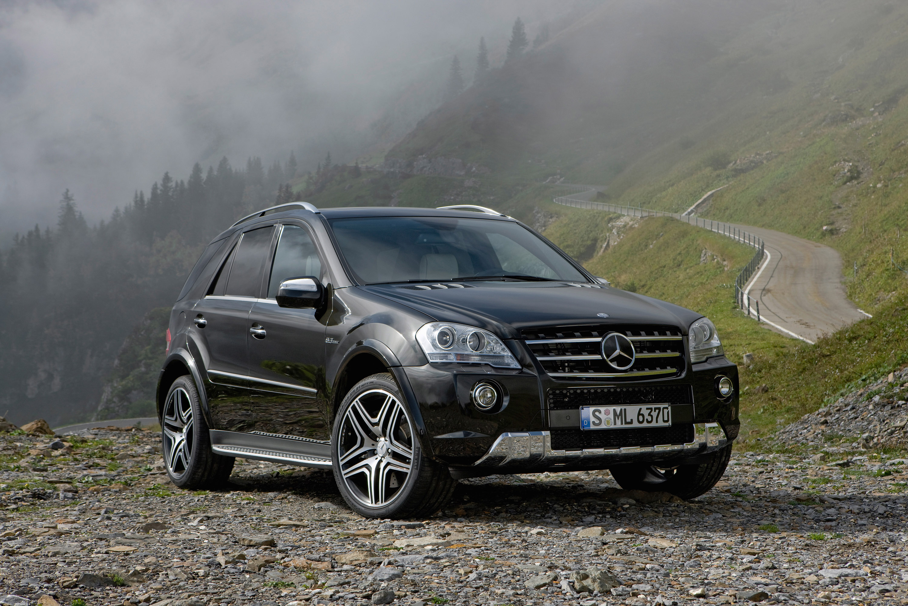 Mercedes benz ml 63 amg performance studio_03 jpg