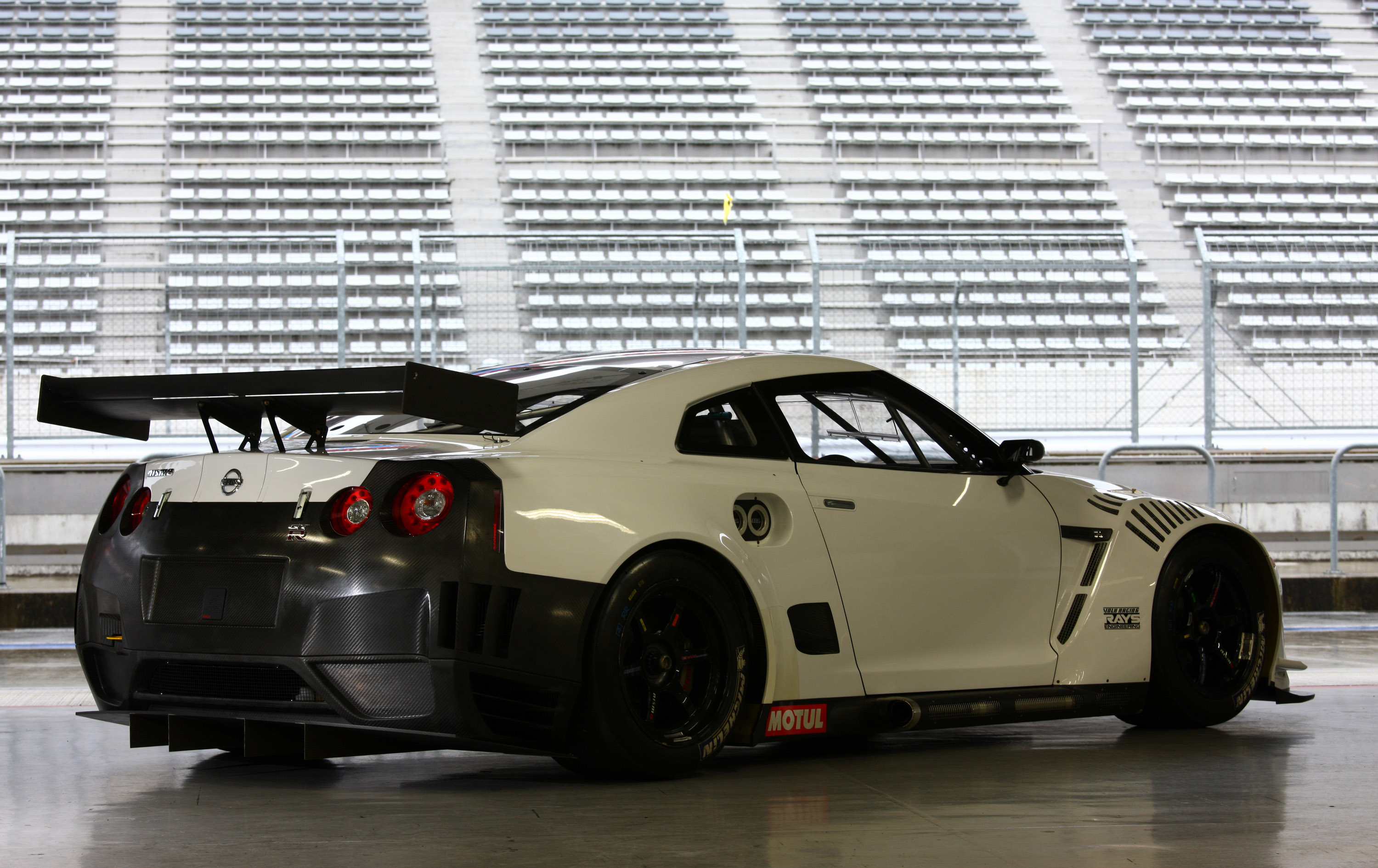 index of /img/nissan-gt-r-2010-fia-gt1