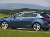 Opel Astra 1.6 liter SIDI Turbo, 2 of 4