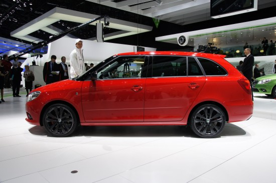 Skoda Fabia Vrs Estate Geneva 2010 02 Picture | High Resolution