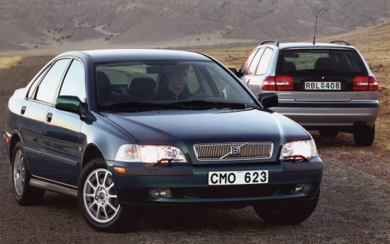 www.automobilesreview.com/img/volvo-s40-and-v40-2000/slides/volvo-s40-and-v40.jpg