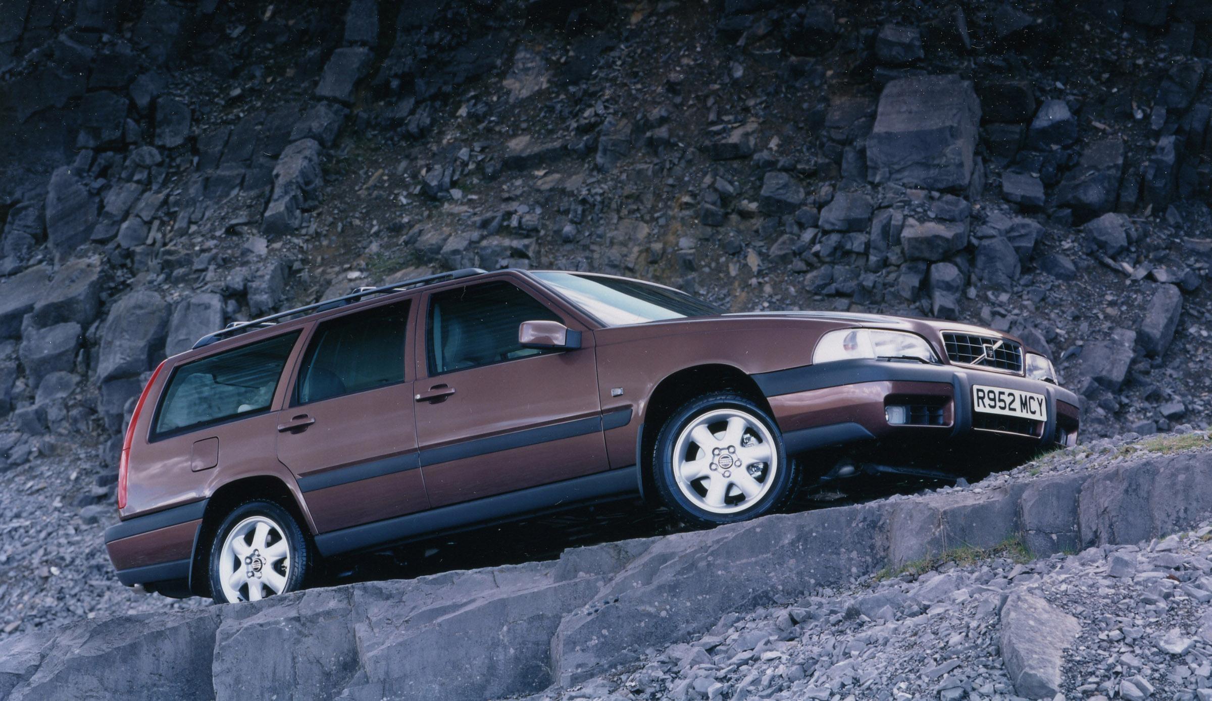 Skillnad mellan Volvo X70 I och XC70 II? - Sveriges Volvoforum