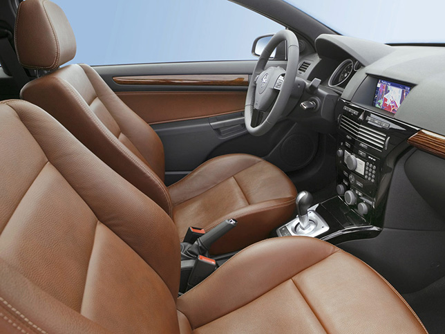 Opel Astra TwinTop / Sedan