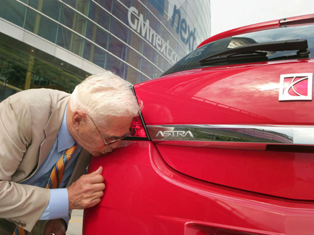 Lutz Kiss My Astra