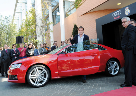 Rafael van der Vaart and his new Audi S5