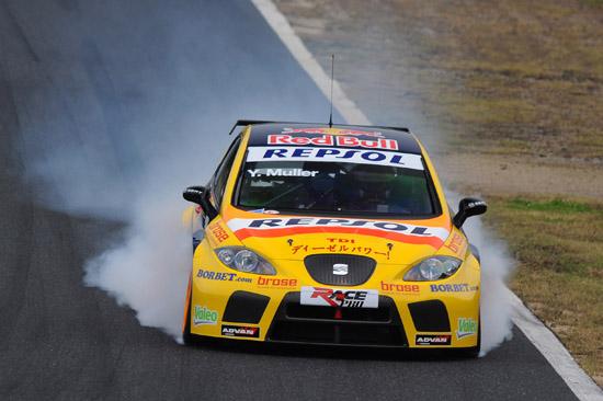 Yvan Muller SEAT Sport - WTCC