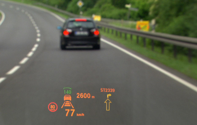 Head-up Display with Speed Limit Display in the new BMW 7 Series