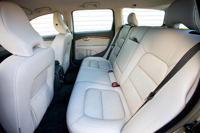 Volvo V70 Rear Seat