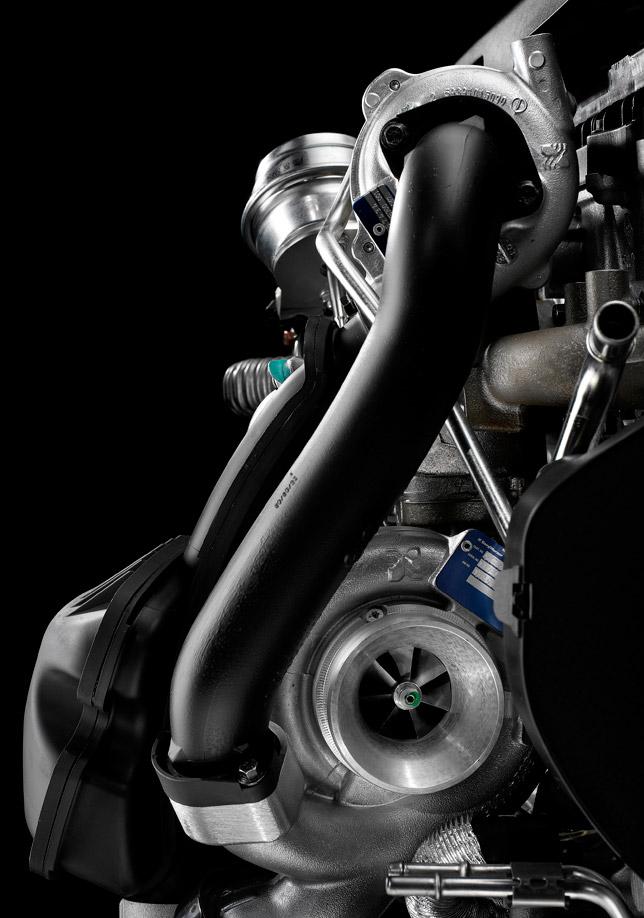 Volvo D5 twin-turbo diesel engine
