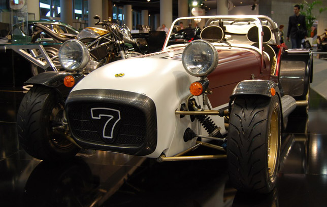 Aznom Caterham Superlight