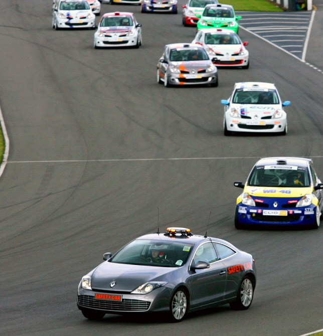 Elf Renault Clio and Formula Renault UK championships welcome Laguna Coupe safety car