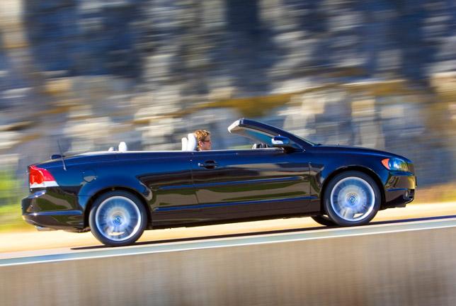 Volvo C70 Sapphire Black convertible