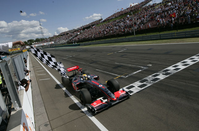 Hungarian GP: Lewis Hamilton, Vodafone McLaren Mercedes, first win in F1 history with the KERS Hybrid
