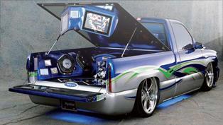 Shawn Bennett's Xplod Bomb Meets a '02 Chevy Silverado