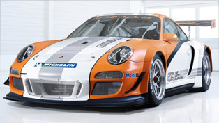 Porsche's innovative race machine 911 GT3 R Hybrid comes to Geneva 2010