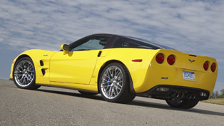 2012 Nissan GT-R vs. Chevrolet Corvette ZR1 [video]