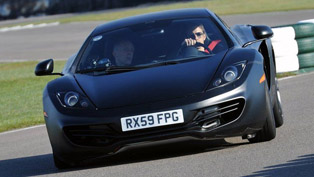 mclaren f1 vs mp4-12c [video]