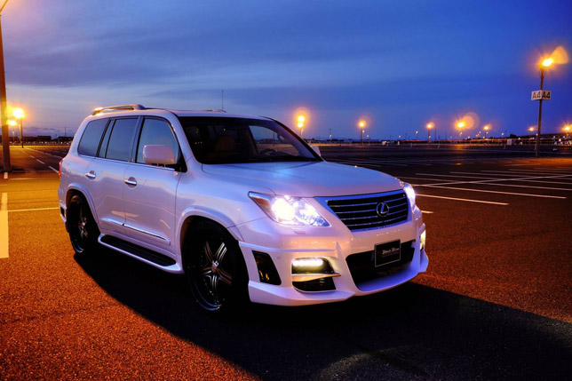 Lexus LX570 WALD Sports Line Black Bision Edition