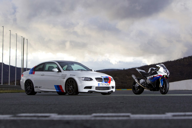 BMW E92 M3 vs BMW S 1000 RR Superbike